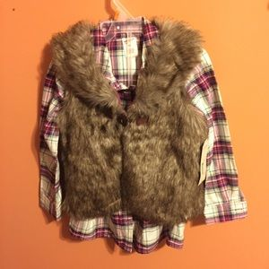 Plad button up colored shirt with fur vest